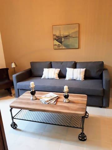 Comfortable and romantic chic house in old town!