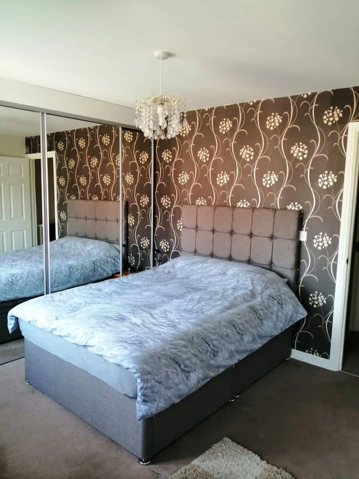 Double bedroom, WiFi, close to North York Moors