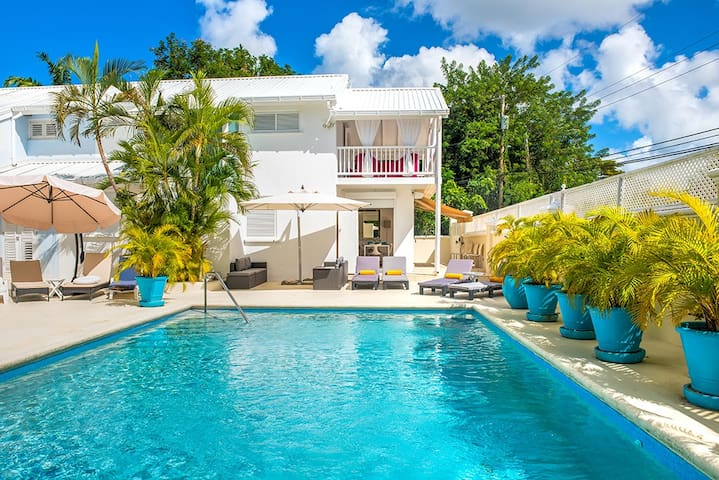Serenity - 3 Bedroom Apartment, St James