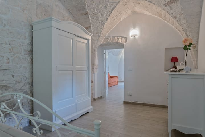 Bianca Suite Ostuni by Pcb