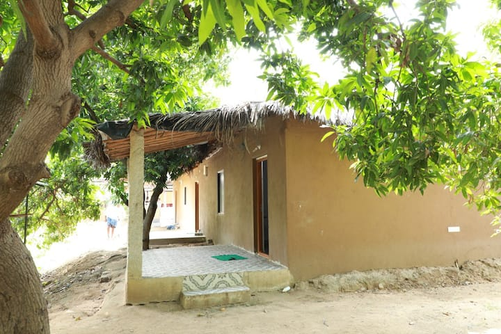 IDEAL HAMPI GETAWAY - VILLAGE RAMPUR!!!
