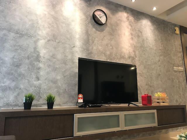 #3 Super Solo Room @ HUT Co-Living KLCC | 500 Mbps