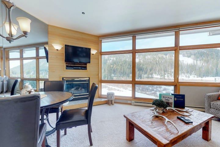 Top-floor condo w/spectacular views, waterfront on Snake River