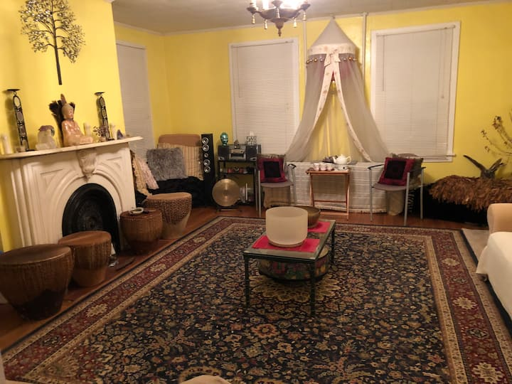 2 twn bed private room in Spiritual Retreat Center