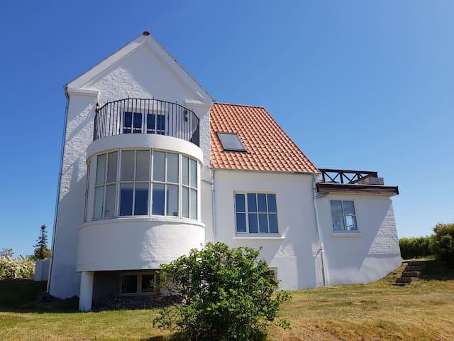 Charmerende villa med havudsigt i Ebeltoft