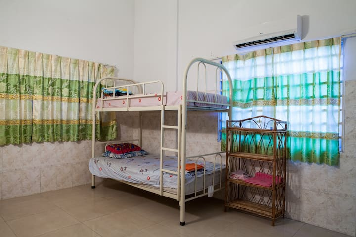 Russian market,AC,private bathroom - Phnom Penh - Wohnung