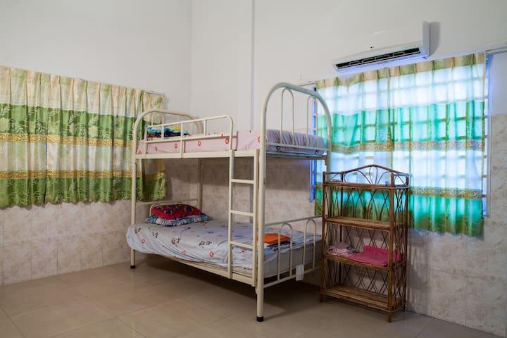 Russian market,AC,private bathroom - Phnom Penh - Apartamento