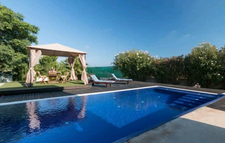 Villa de lujo con piscina privada,y vistas al.mar
