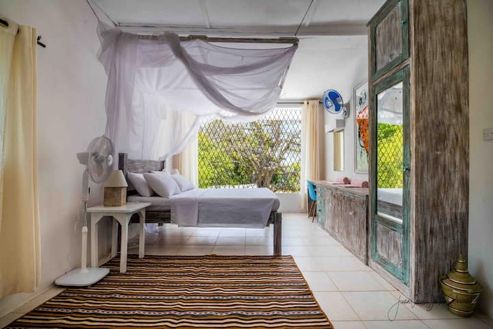 Sea View Double Deluxe Room at Baobab Beach House