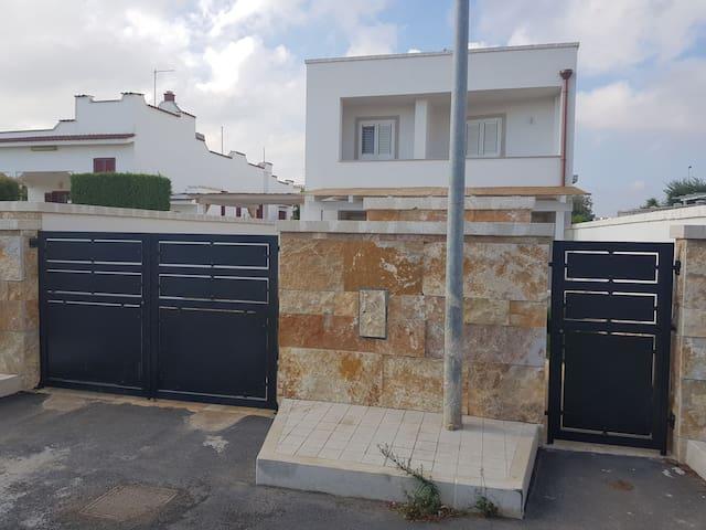 Villa al mare Torre Santa Sabina