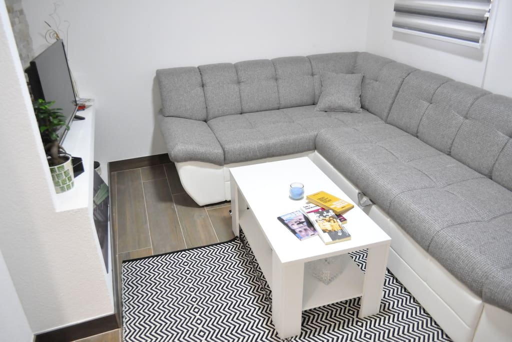 Besides comfort, this living room gives you the whole home experience. TV, WiFi, comfy sofa - perfect place to rest after a long day in the heart of Sarajevo.