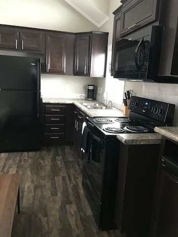 Fully furnished waterfront cabin