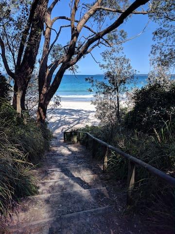 Path down to Bleheim Beach. Paradise awaits you!
