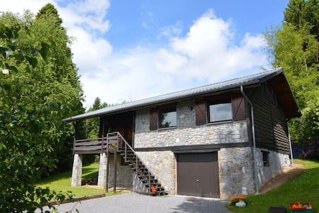 Mooi vakantiehuis in de Ardennen nabij de vallei van de Lesse en de Semois