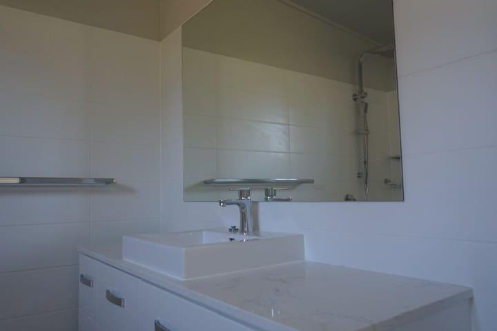 Brisbane North Bed & Breakfast | King Room