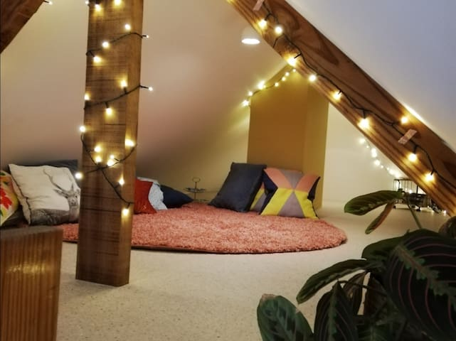 Cosy room with private bathroom in Wichelen