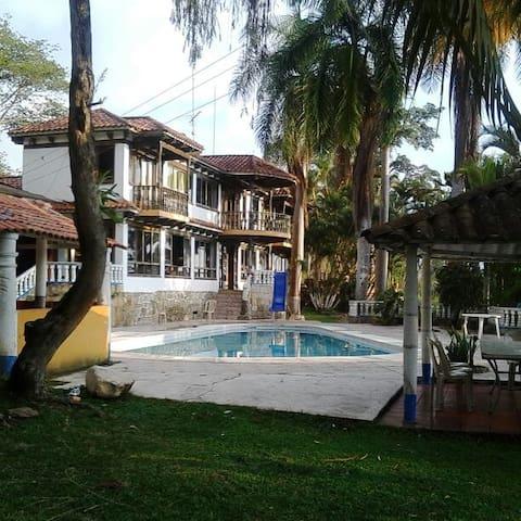 Finca Amplia y Hermosa - Fusagasugá