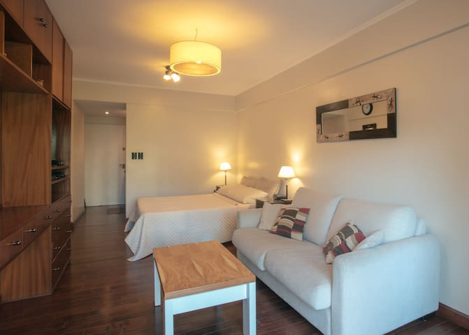 Great Studio Apartment in the Heart of Recoleta!