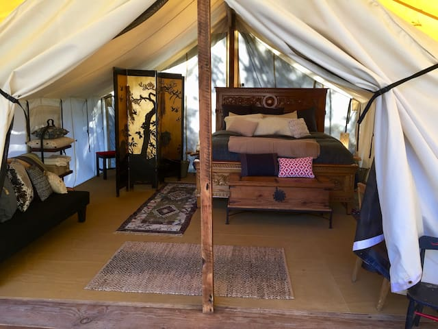 Luxurious Tent Cabin - 22 Acre Retreat Center