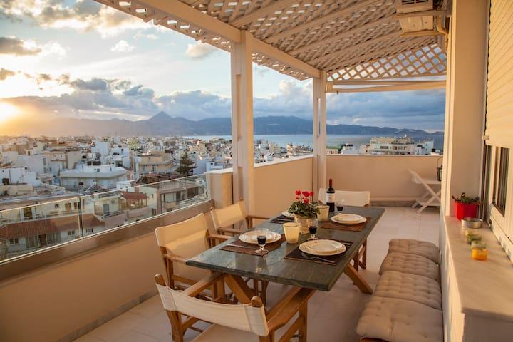 Luxury sea view city apartment