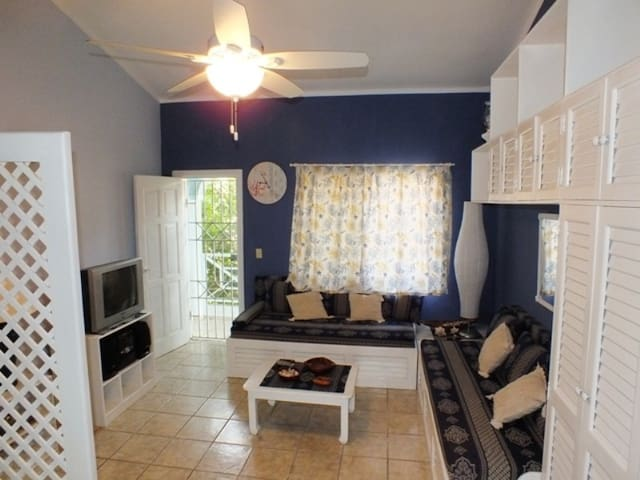 BEAUTIFUL FAMILY APT WITH TERRACE AND BBQ -TRILO