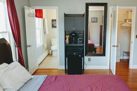 Home away from home- Private Room for rent