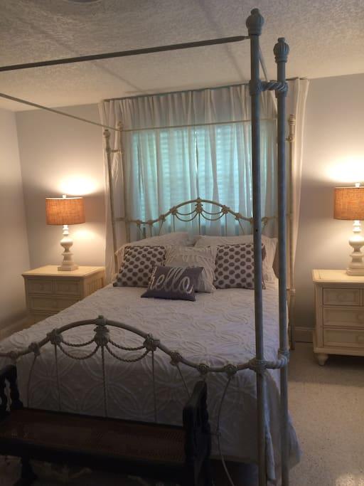 Master bedroom with on suite bathroom & queen bed