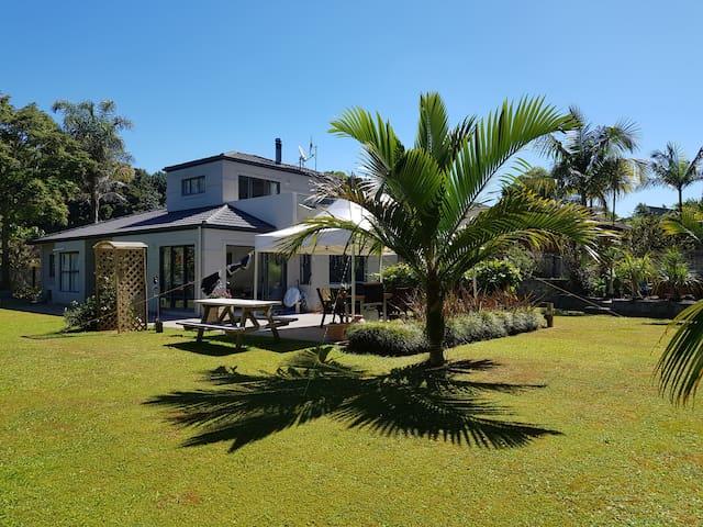 Tropical Hideaway Maunu Whangarei