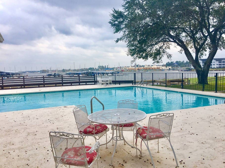 Fabulous pool over looks Marina and Lake Conroe