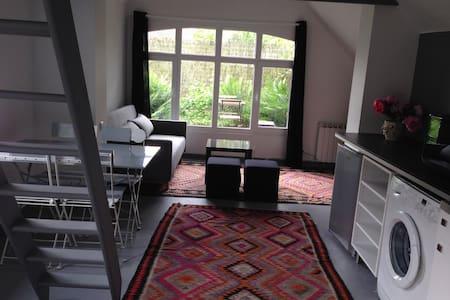 Maison loft+jardin LILLE/Mouvaux, tram, 1 à 4 pers - Mouvaux - Casa