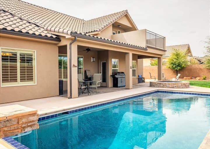 Escondido-Beautiful Home with Private Pool near Zion National Park & Sand Hollow