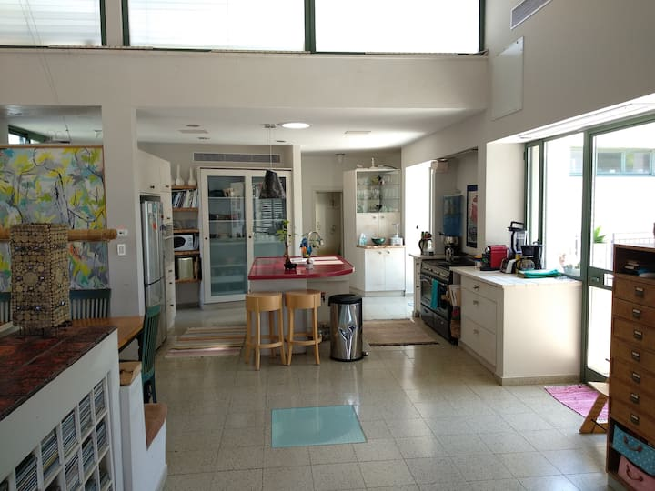 Breezy 2-floor villa with a garden and a big pool