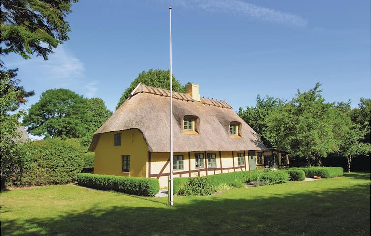 Holiday cottage with 2 bedrooms on 81 m² in Tranekær