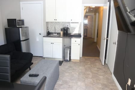 Comfy In-Law Apt mins to Downtown PVD & Colleges