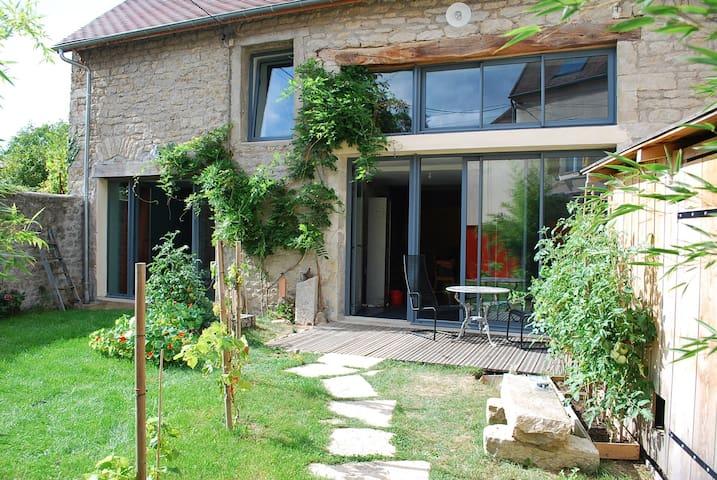 Maison atypique et famiale aux portes du Morvan - Corbigny - Rumah