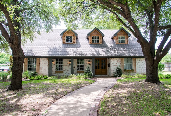 The German Schmear House - Waco - Ház