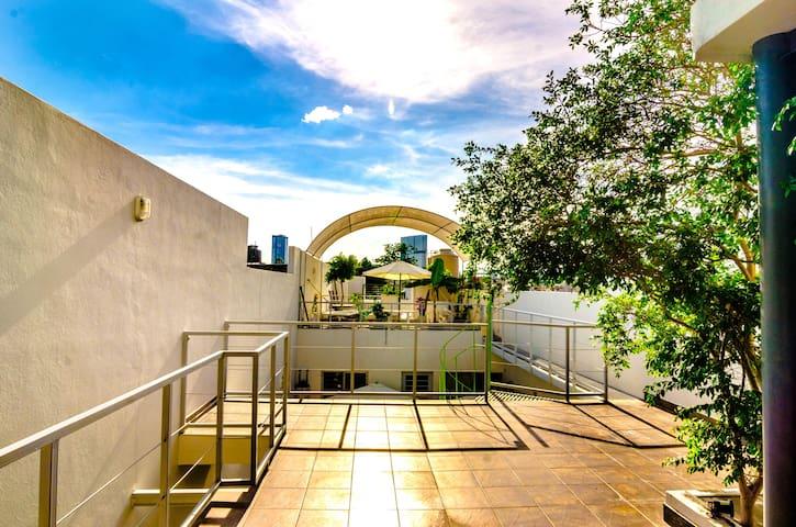 CASA ISABELLA Suite c/baño privado y cocineta