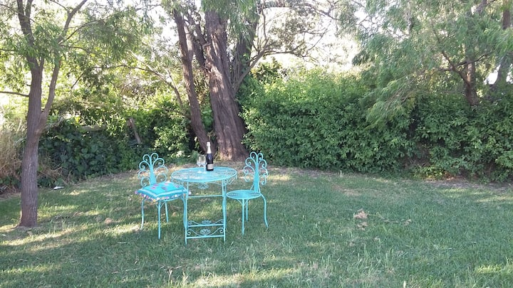 Peron Cottage By The Bay.  Pet Friendly!