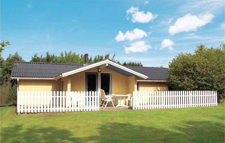 Holiday cottage with 4 bedrooms on 100m² in Toftlund
