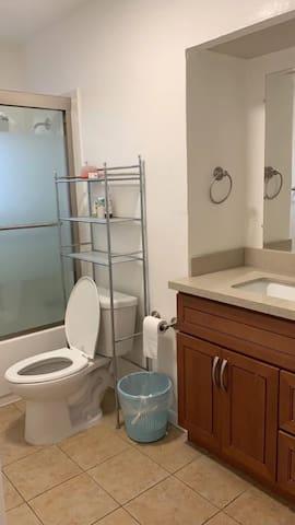 San Leandro bunk F lower room 1 #