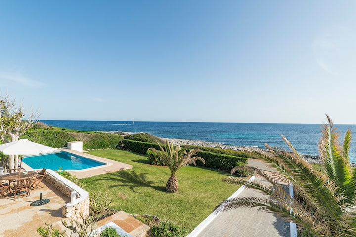 Villa with fabulous sea views