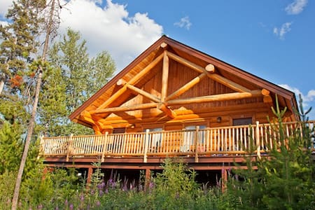 Log Cabin within a resort type prop - カムループス (Kamloops)