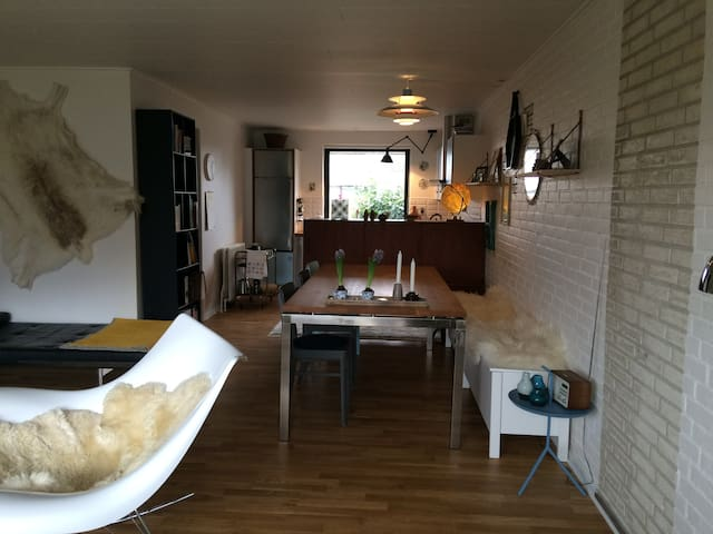 Cosy and newly renovated cityhouse - Odense - House