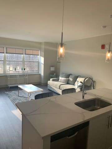 Elegant & Modern 2 Bedroom 2 Bath Suffern Station