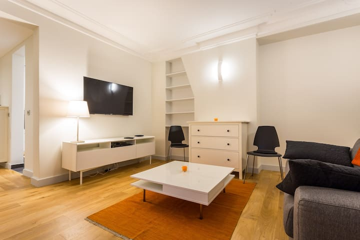 ★★★★ LUXURY FLAT - CHAMPS ELYSÉE - 2/4 guests ★★★★