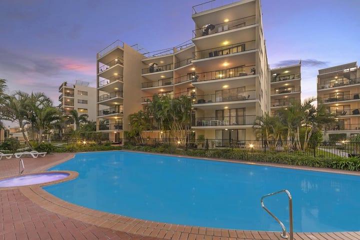 Marcoola Beach Resort - pool, spa, tennis court