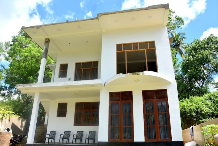 Budget Villa in Weligama