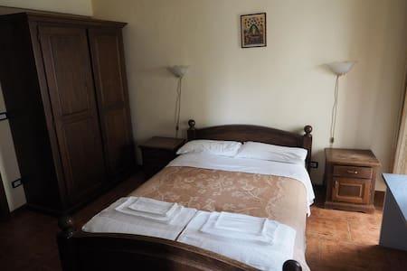 Welcome Queen Room 2 Hostel Teiul - București - Vandrerhjem