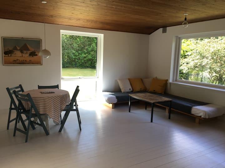 Charmerende hus i Rågeleje - hygge og skøn natur
