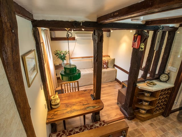 Traditional-Cottage-Ensuite with Shower